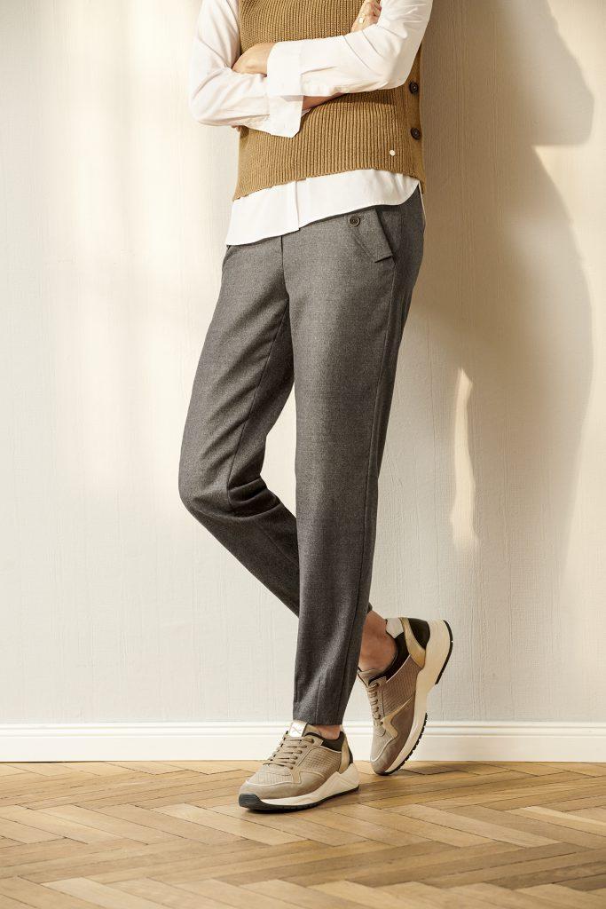 Broeken met toelopende pijpen (tapered leg)